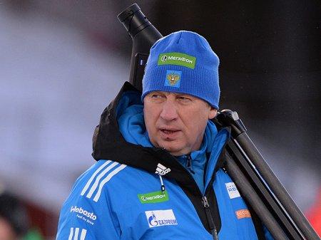 Казахстанские биатлонисты приступили к тренировкам с новым тренером
